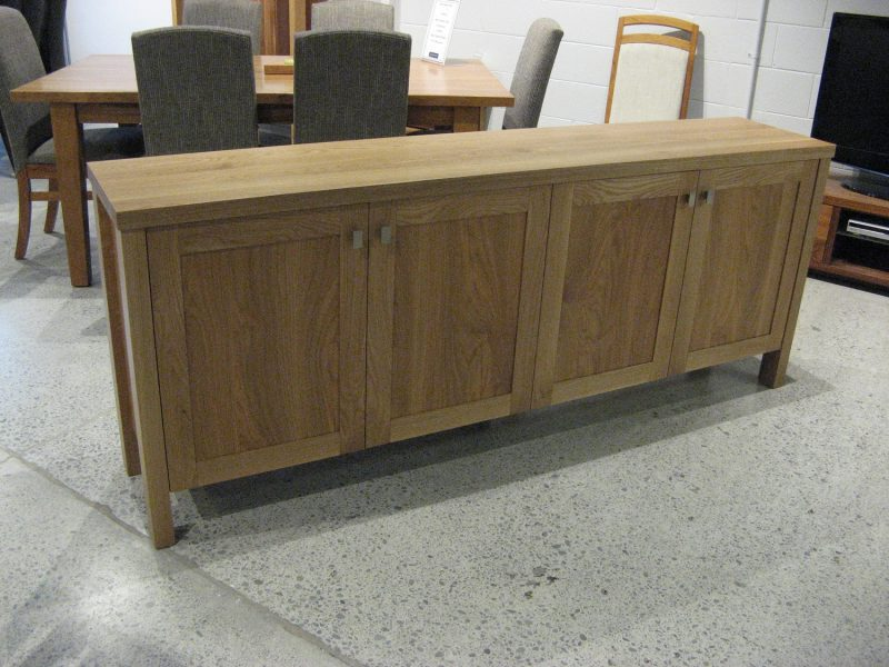 Oak 4 Door Buffet