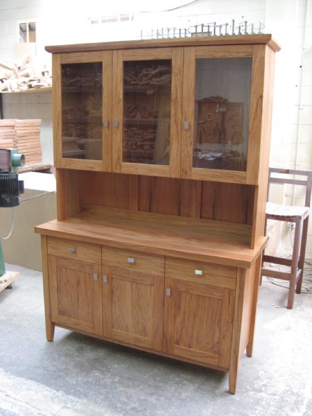 New York Three Drawer Hutch