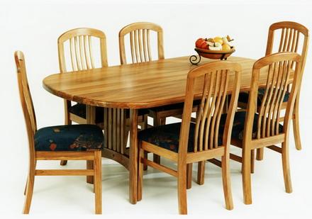 Hamburg Dining Table